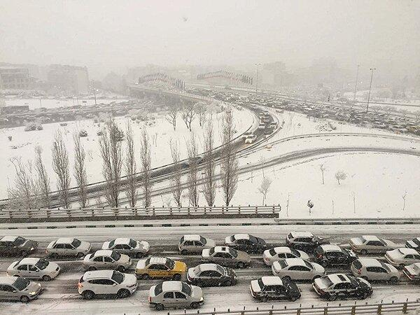 هشدار برف، باران و آبگرفتگی معابر در 13 استان