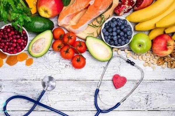 بیماران کرونایی در دوران نقاهت چه غذاهایی بخورند؟